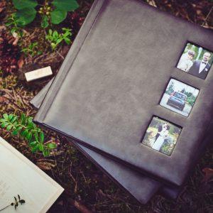 Przykładowa realizacja albumów (3x 30x30, pudełko drewniane na odbitki 15x23, pendrive w drewnie - jasna olcha)